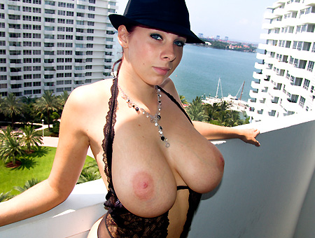 Gianna michaels big tits round ass